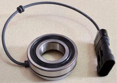 Fotografia de um codificador incremental rotativo integrado a um rolamento