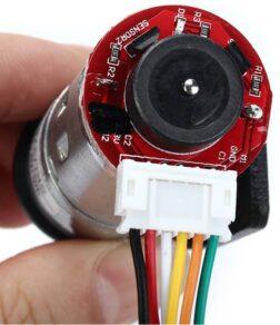 Fotografia de um codificador rotativo incremental acoplado a um motor de corrente contínua